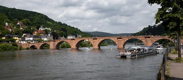 Il ponte sul fiume Neckar