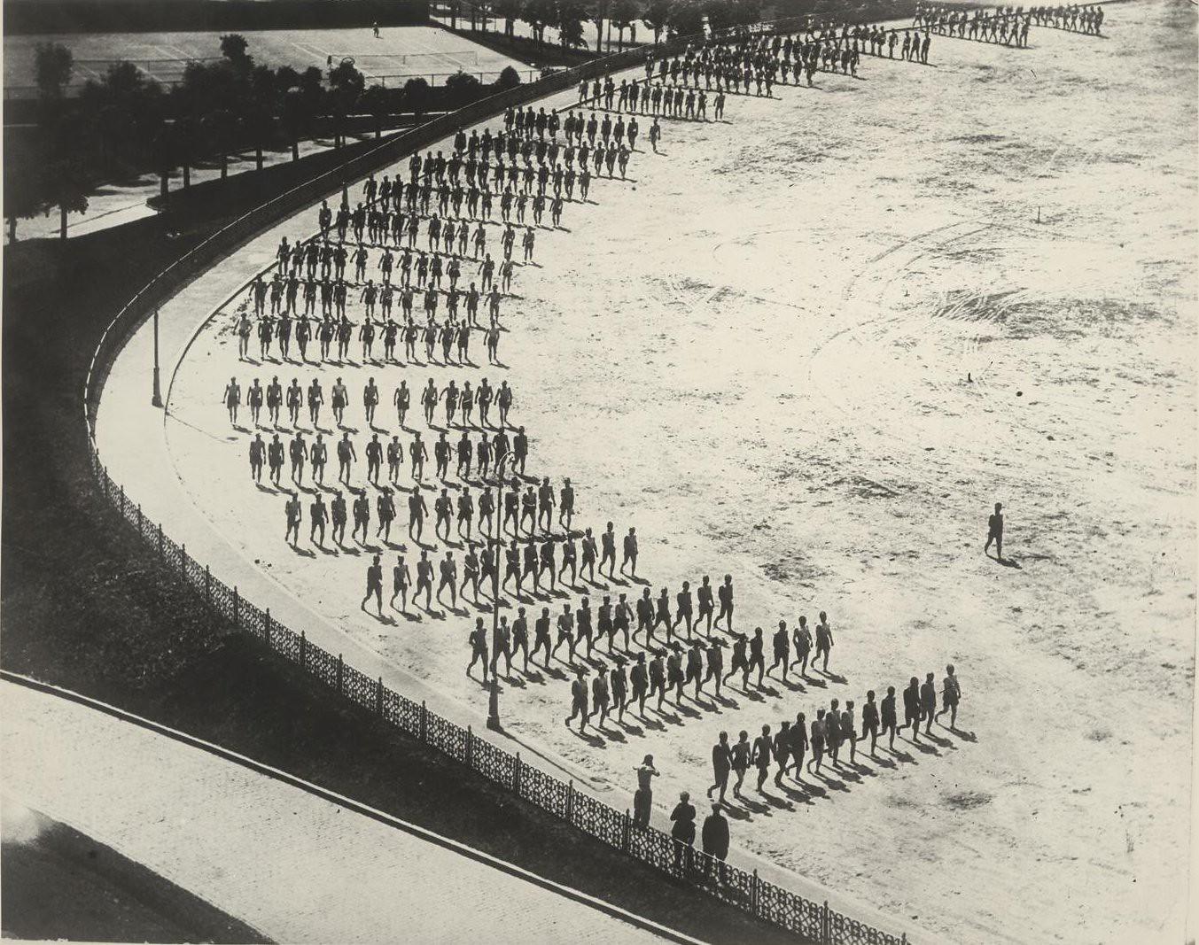 1927. Утренняя зарядка