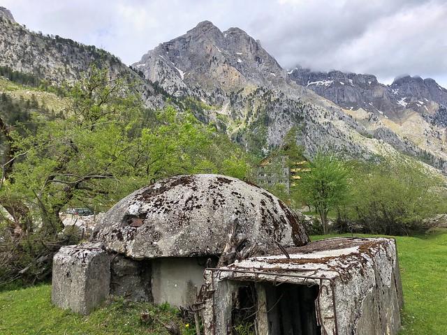 Búnker en el valle de Valbona (Albania)