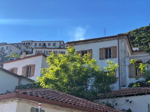 Vuno es uno de los pueblos más interesantes que ver en la Riviera Albanesa