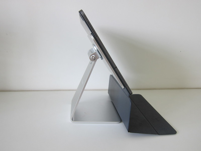 Lululook Magnetic iPad Stand - With iPad Pro 12.9 And Smart Folio - Open