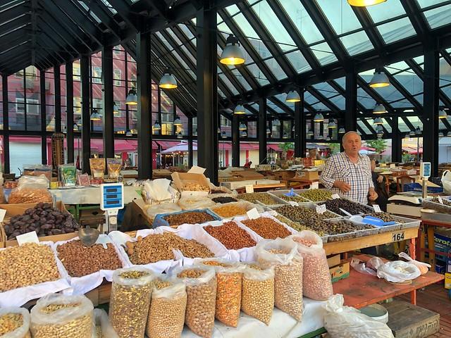 Mercado en Tirana (Albania)