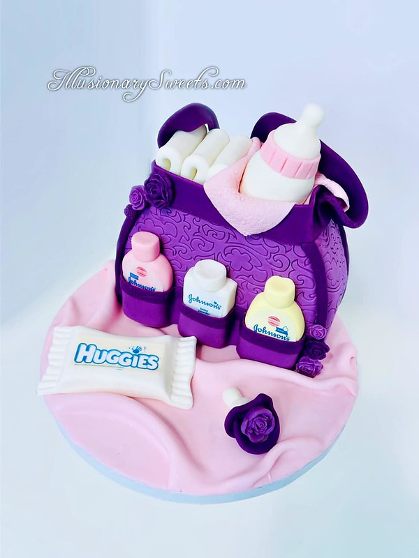 Cake by Illusionary Sweets