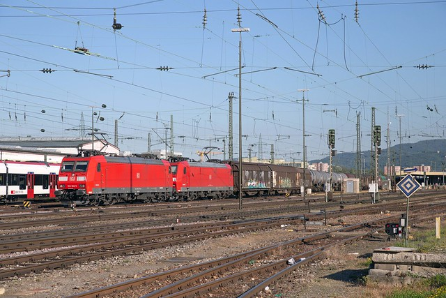 DB Cargo 185 100 + 185 129 Basel Badischer Bahnhof