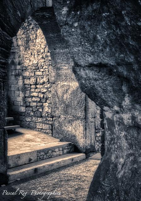 Dans les coulisses des arènes de Nîmes.