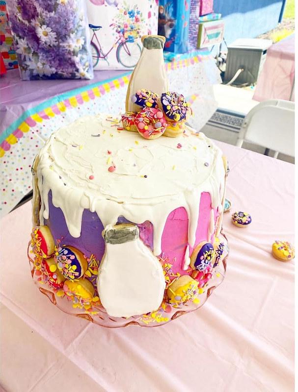 Cake by SamiJoe's Bakery