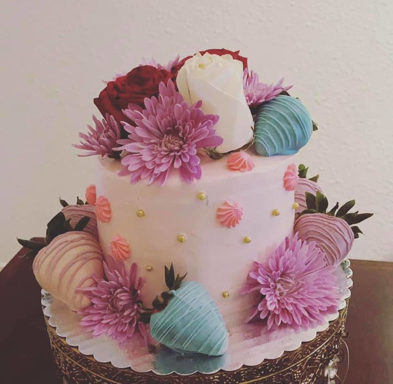 Cake by Dora's Creations