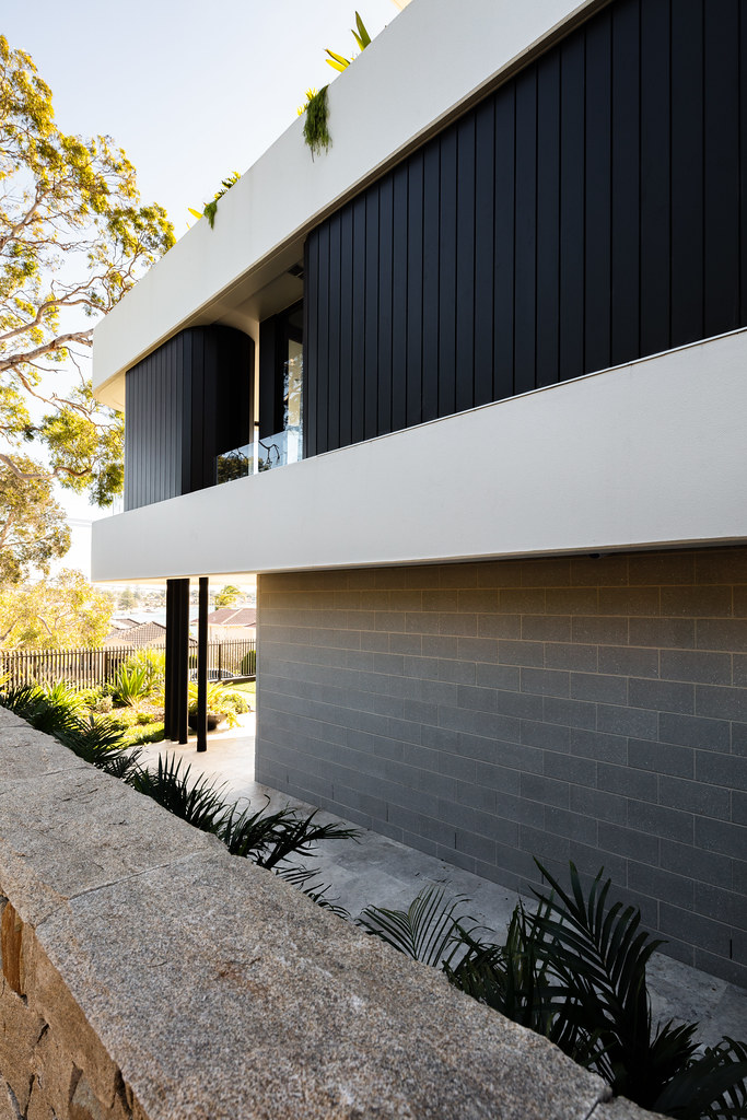 Taren Point House - Architec Honed in Pearl Grey - Alex Mayes Photography (13)