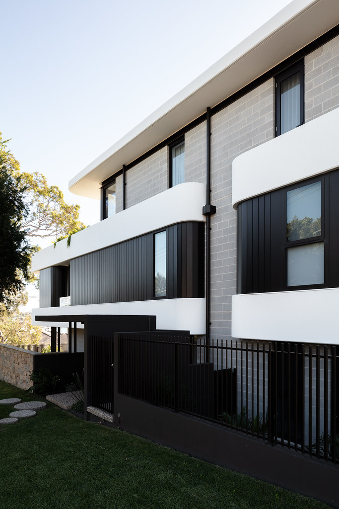 Taren Point House - Architec Honed in Pearl Grey - Alex Mayes Photography (10)