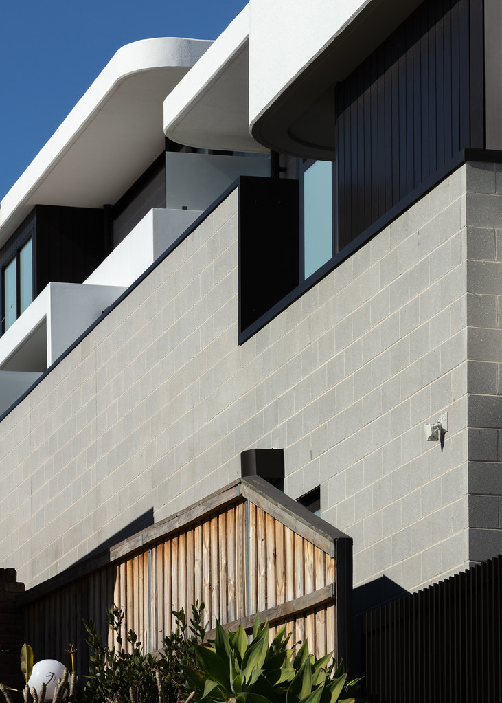 Taren Point House - Architec Honed in Pearl Grey - Alex Mayes Photography (9)