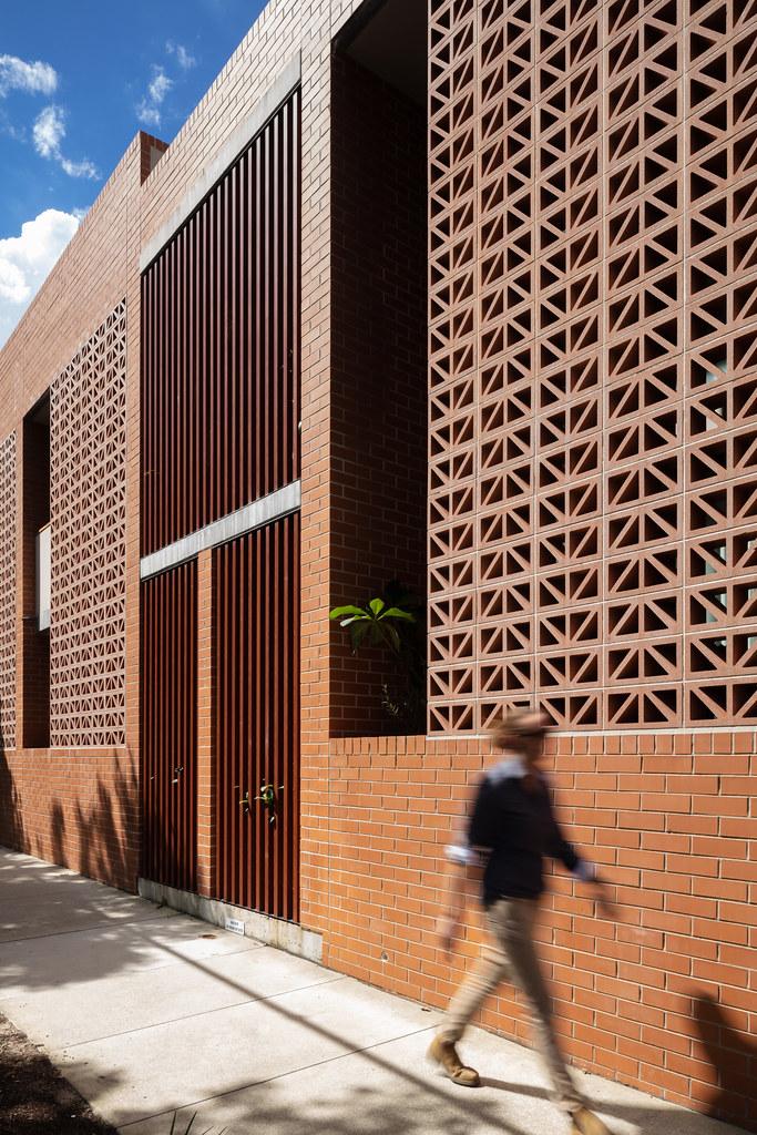 Teracota Apartments - Mitchell St Alexandria NSW - Breeze Blocks in Pottery (3)