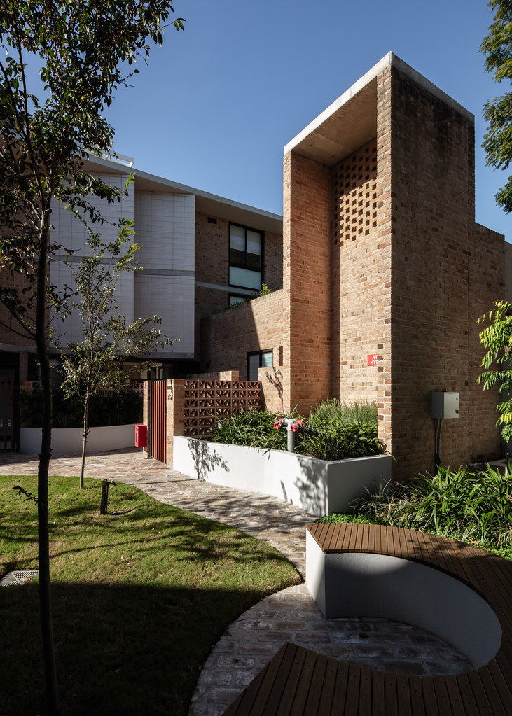 Teracota Apartments - Mitchell St Alexandria NSW - Breeze Blocks in Pottery (1)