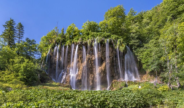 *Plitvice lakes @ Galovac-waterfall*