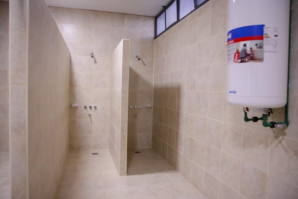 2021-06-10 Recorrido por las instalaciones de los baños de servicios auxiliares