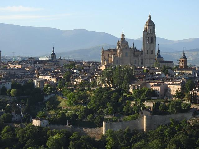Paseo en globo en Segovia (Imagen panorámica de la ciudad)