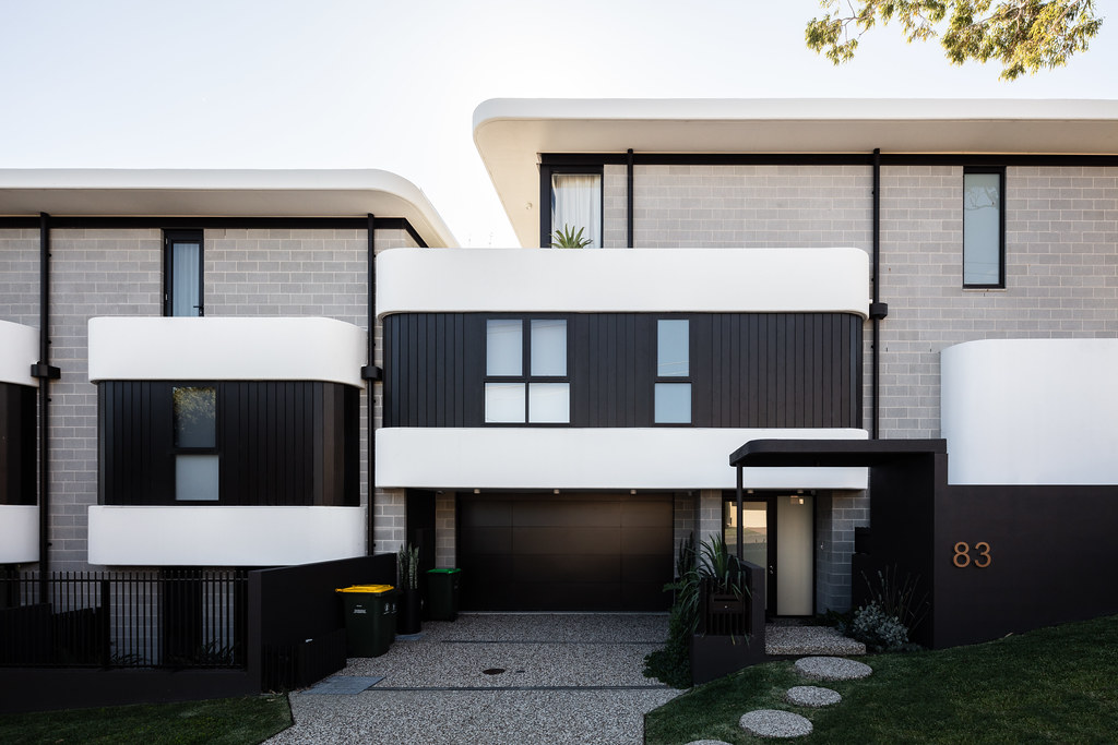 Taren Point House - Architec Honed in Pearl Grey - Alex Mayes Photography (11)
