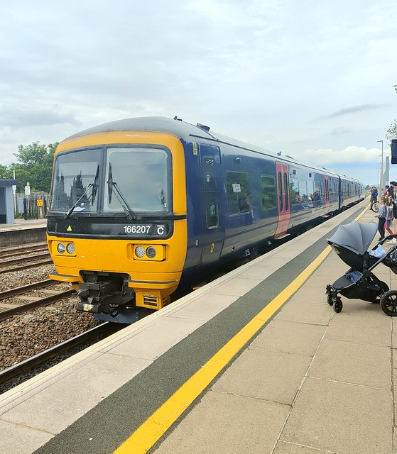 GWR Class 166207 arriving at Dawlish Warren Railway Station