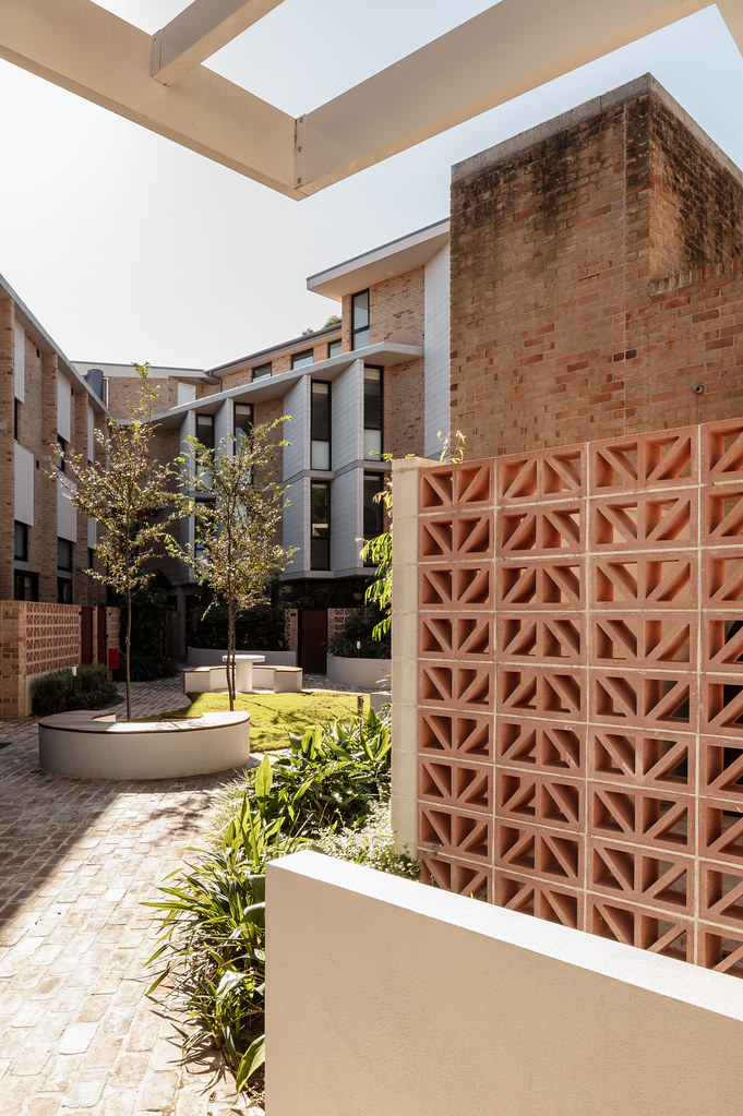 Teracota Apartments - Mitchell St Alexandria NSW - Breeze Blocks in Pottery (16)