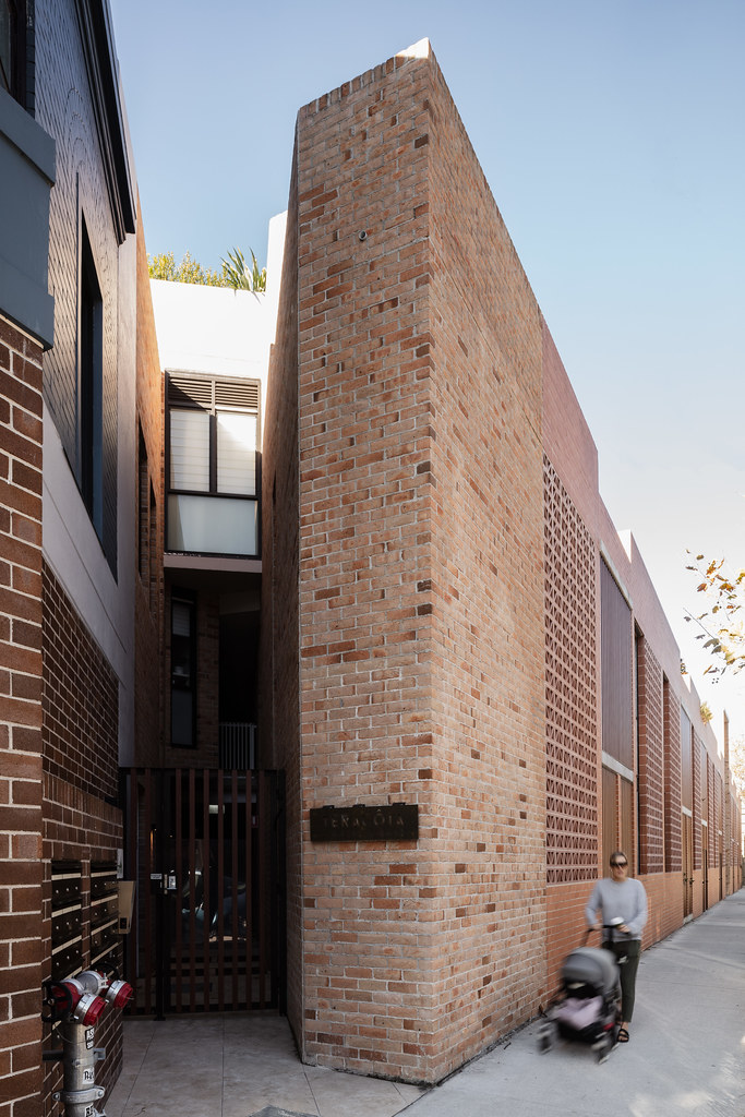 Teracota Apartments - Mitchell St Alexandria NSW - Breeze Blocks in Pottery (6)