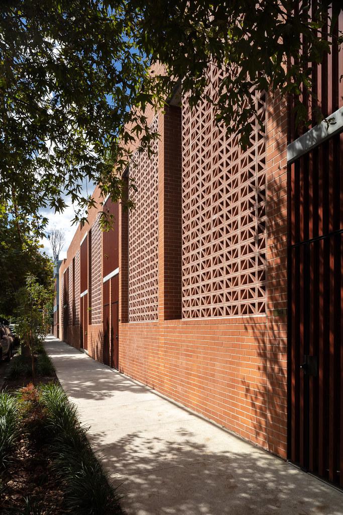 Teracota Apartments - Mitchell St Alexandria NSW - Breeze Blocks in Pottery (5)