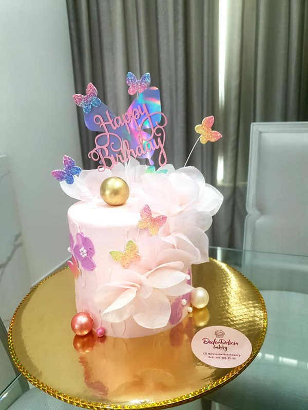Cake by Dulce Delicia Bakery