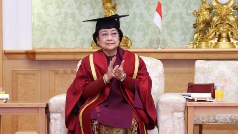 Megawati Hari Ini Jadi Profesor, Inilah Deretan Gelar Akademik Kehormatannya