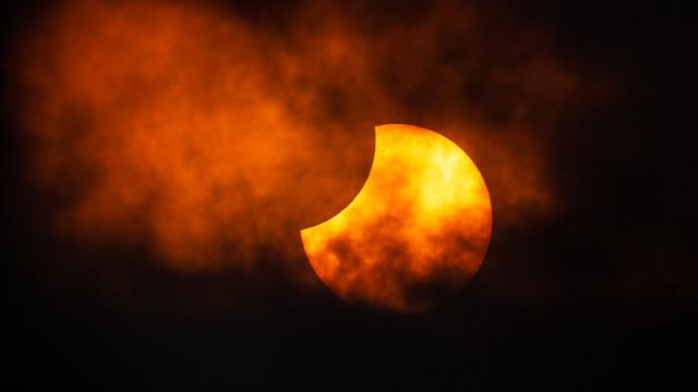 Partial Solar Eclipse 2021 June 10 - 11:05:16 UT