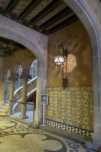 Palau del Baró de Quadras (1904-1906), Barcelona. (Arquitecte: Puig i Cadafalch) Modernista.