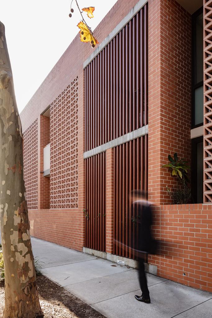 Teracota Apartments - Mitchell St Alexandria NSW - Breeze Blocks in Pottery (8)