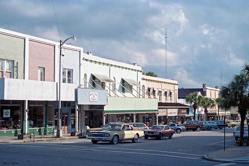 street downtown cityscape florida historical 1986 mountdora businessdistrict commercialbuildings commercialblocks