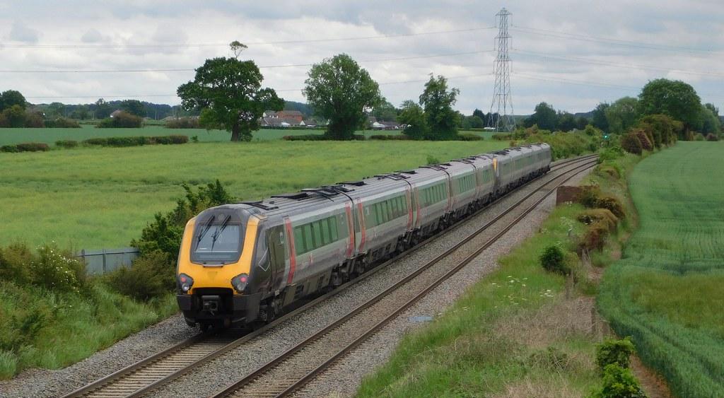 221130 + 221121 - Carters Bridge, Elford, Staffordshire