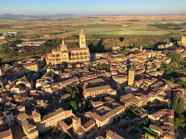 Un paseo en globo sobre Segovia acarrea estas vistas