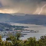 30. Oktoober 2019 - 12:12 - Taken from Mount Wellignton lookout overlooking the city of Hobart. Tasman bridge in photo.