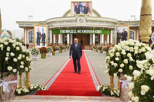 Истиқболи Президенти Ҷумҳурии Ӯзбекистон Шавкат Мирзиёев дар Фурудгоҳи байналмилалии Хуҷанд  11.06.2021