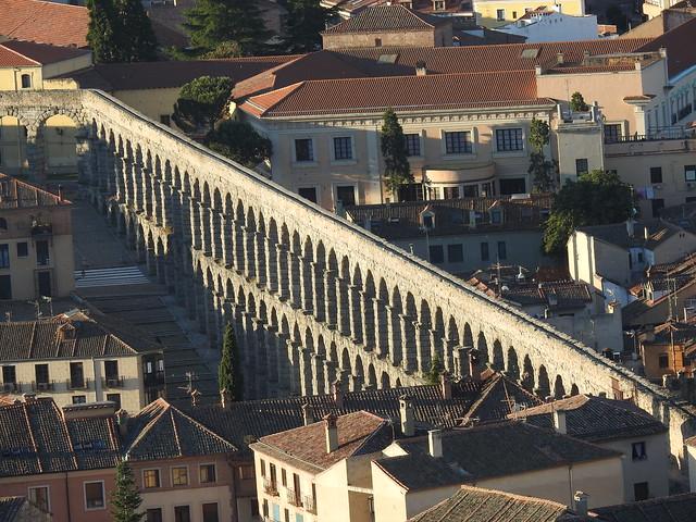 El acueducto de Segovia desde un globo aerostático