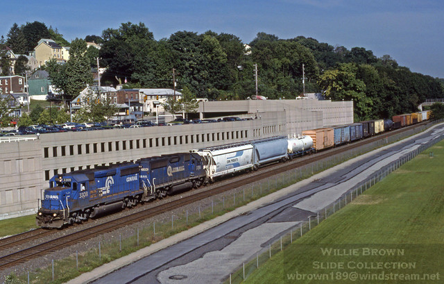 GP40-2s 3308 & 3386 power ALPG-0 (Allentown to Philadelphia, Greenwich) at West Conshohocken, PA on 8/1/97.