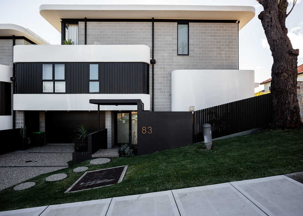 Taren Point House - Architec Honed in Pearl Grey - Alex Mayes Photography (3)