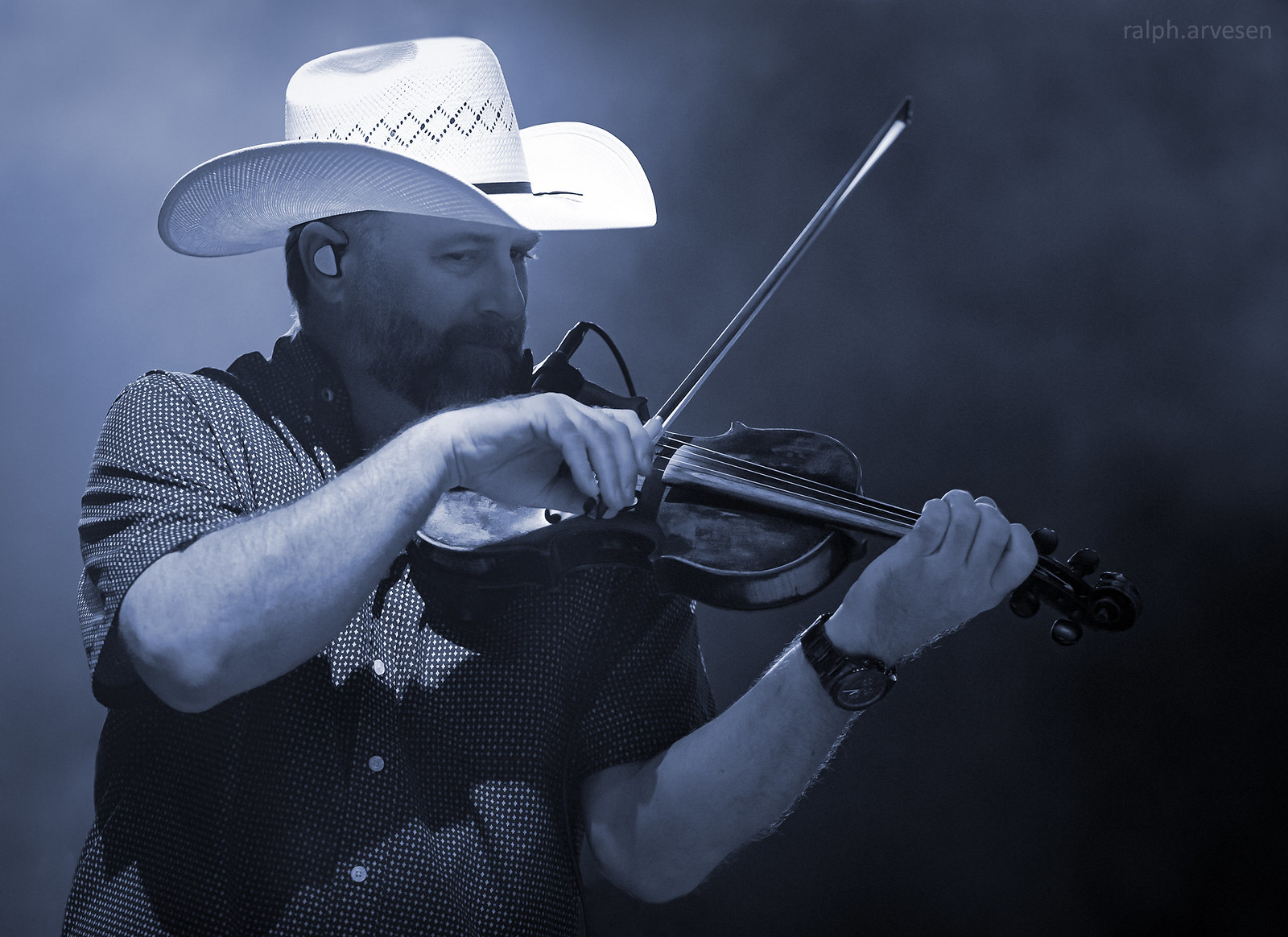 Josh Turner   Texas Review   Ralph Arvesen