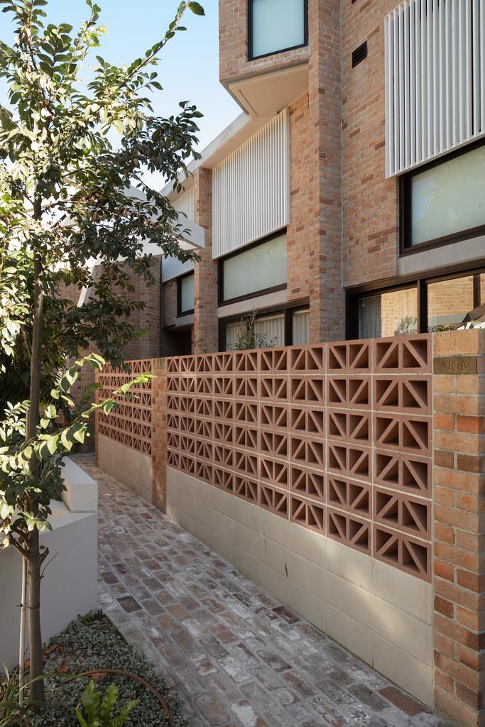 Teracota Apartments - Mitchell St Alexandria NSW - Breeze Blocks in Pottery (15)