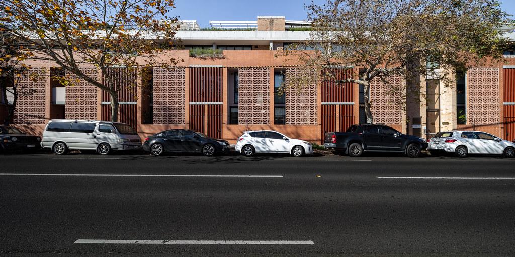 Teracota Apartments - Mitchell St Alexandria NSW - Breeze Blocks in Pottery (7)