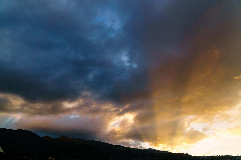 Sunset in Quito Atardecer en Quito