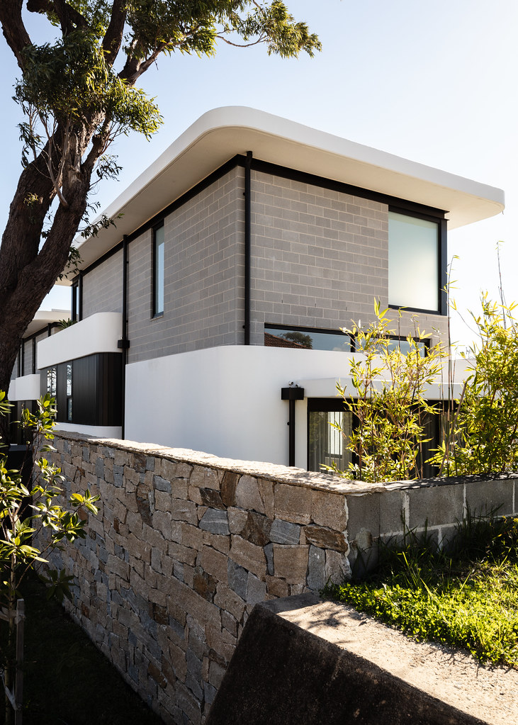 Taren Point House - Architec Honed in Pearl Grey - Alex Mayes Photography (14)