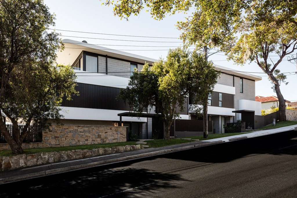 Taren Point House - Architec Honed in Pearl Grey - Alex Mayes Photography (12)