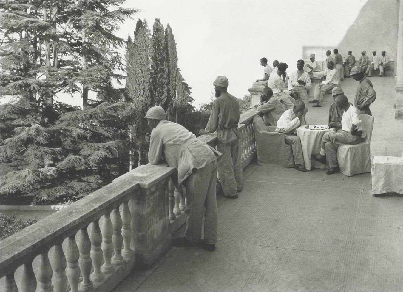 1925. Открытие крестьянского курорта «Ливадия». Отдых на верхней террасе. 28-30 июня