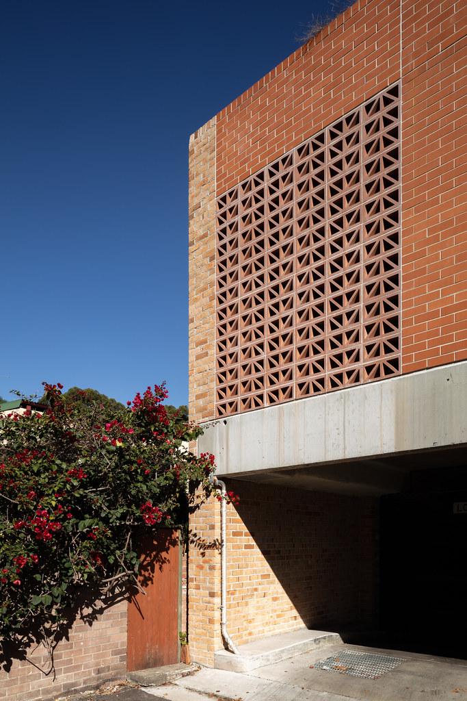 Teracota Apartments - Mitchell St Alexandria NSW - Breeze Blocks in Pottery (12)