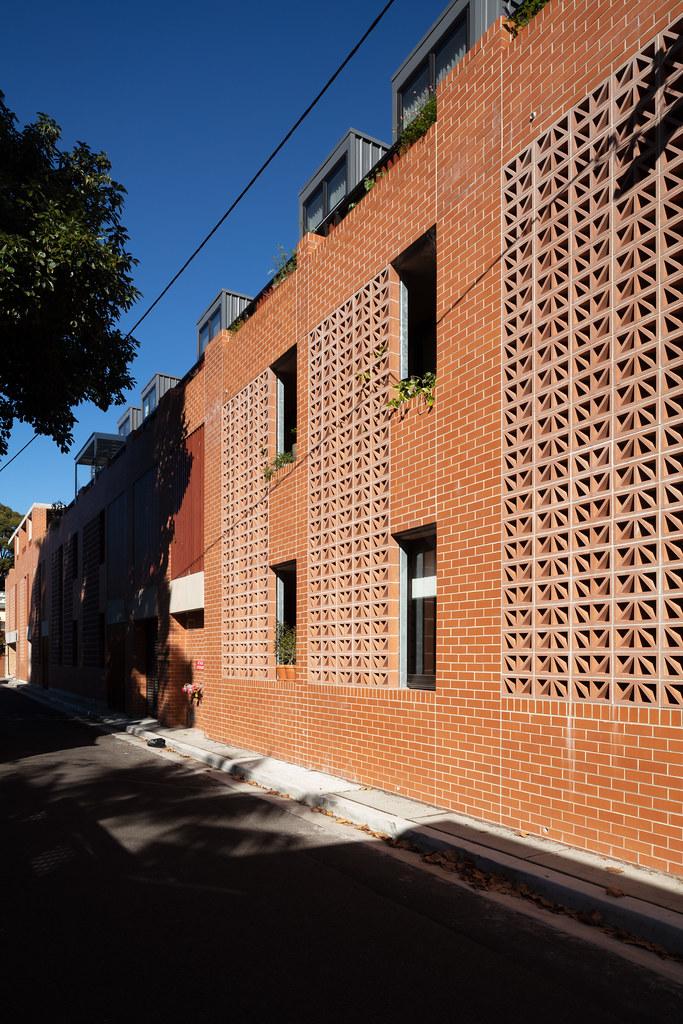 Teracota Apartments - Mitchell St Alexandria NSW - Breeze Blocks in Pottery (10)