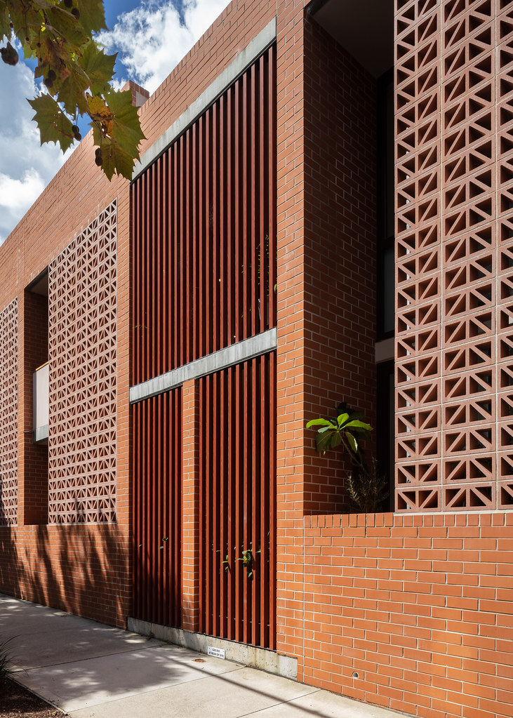 Teracota Apartments - Mitchell St Alexandria NSW - Breeze Blocks in Pottery (4)