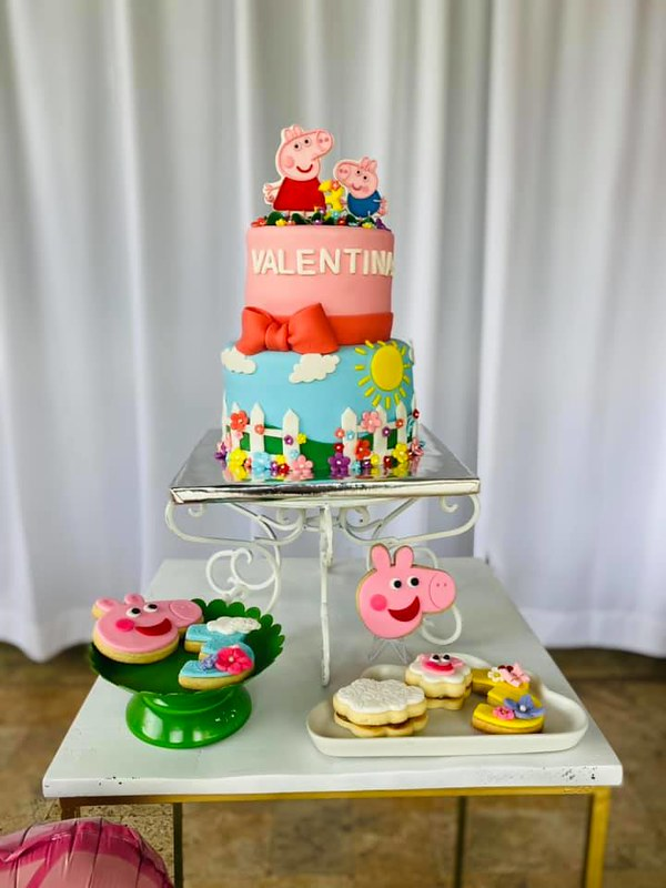 Cake by Sunshine Decorations
