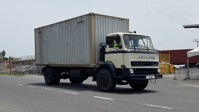 T6583 Leyland Clydesdale Box Truck