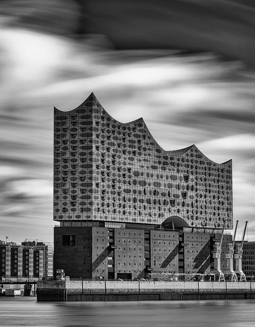 Elbphilharmonie in B&W [Explored 2021-06-11]